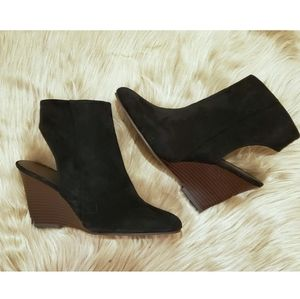 NEW - SLINGBACK, WEDGE STYLE ANKLE BOOTIES